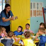 Конкурсное испытание «Педагогическое мероприятие с детьми» проводит Мехтиева З.И