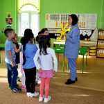 Конкурсное испытание «Педагогическое мероприятие с детьми» проводит Чорду М.И
