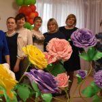 Коллектив «Северка» с заведующей Сизых Натальей Ивановной (третья слева)